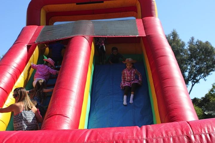 bouncyhouse